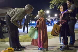 Even Former US President George W. Bush takes part in the Trick or Treating (Image courtesy of Wikimedia Commons)